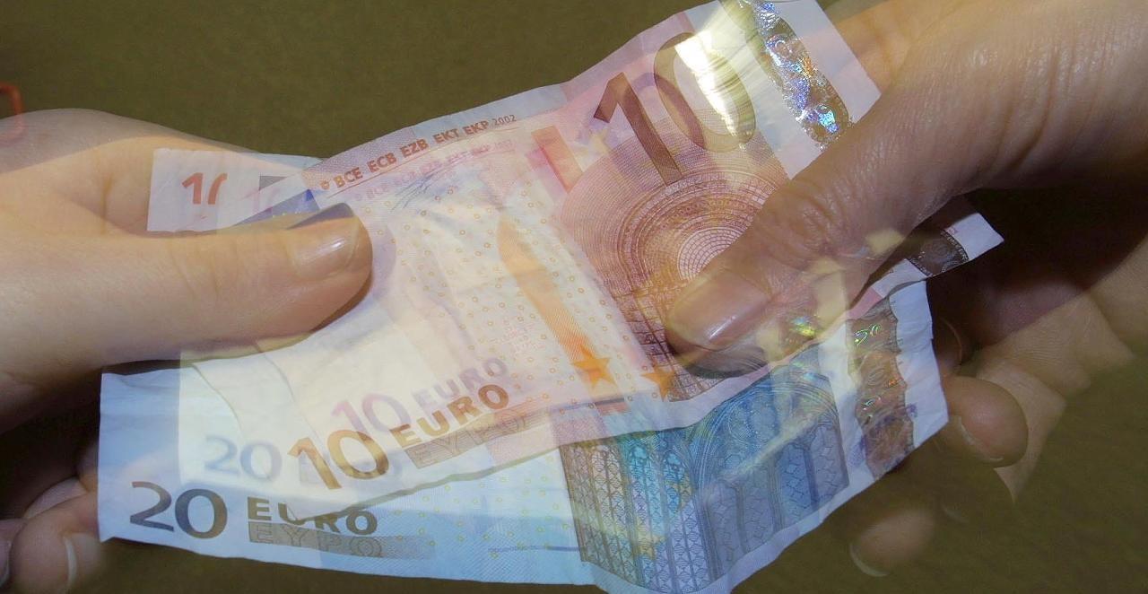 geld-streit-colourbox